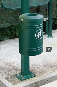 Abfallkorb ESTEREL 40 Liter - auf Pfosten
