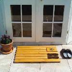 Holz Fußabtreter mit integrierten Bürsten