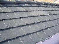 Kunststoff-Dachschindeln  Schieferoptik Bogenschnitt