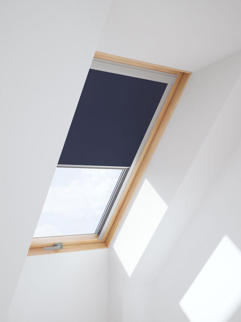 sichtschutz dachfenster awesome dachfenster reutlingen metzingen tbingen velux und roto stumpp. Black Bedroom Furniture Sets. Home Design Ideas