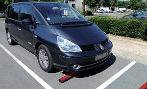 Parkplatzabsperrung aus Stahl beschichtet