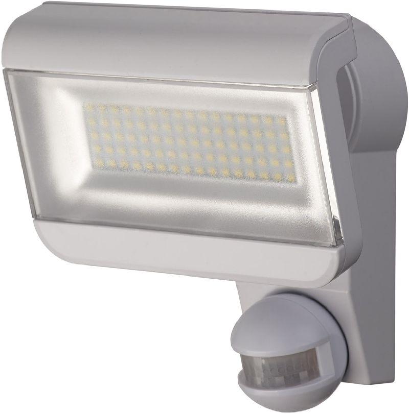 Sensor LED-Strahler Premium City SH 8005 PIR IP44 mit Infrarot-Bewegungsmelder 80x0,5W 3700lm wei� Energieeffizienzklasse A+